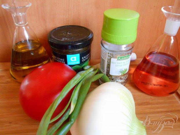 Салат помидорный с оливковой пастой