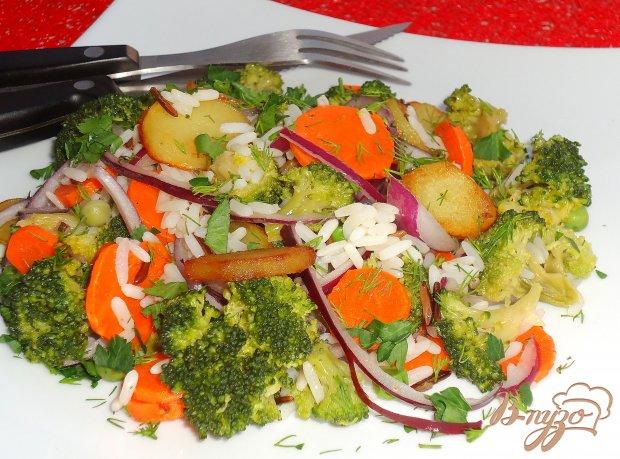 Салат из риса и брокколи