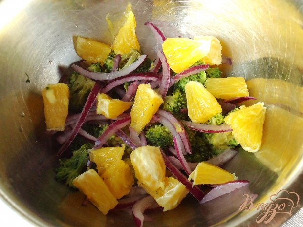 Рисовый салат с апельсинами, брокколи