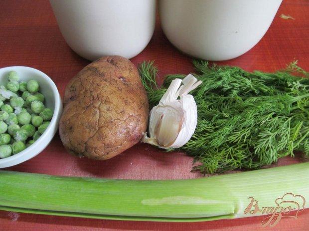 Картофель с луком порей и горошком