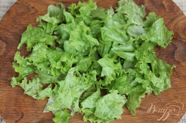 Рецепт Рыбный салат с зеленью, сыром и каперсами