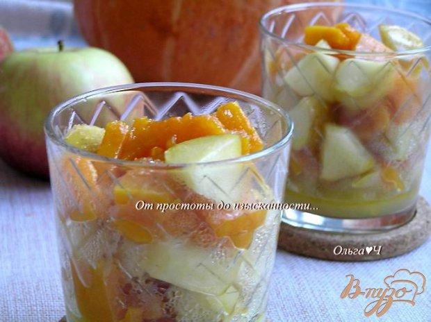 Теплый десерт из тыквы и яблок