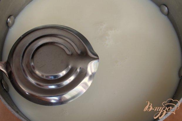 Натуральный йогурт на закваске и десерт на основе йогурта