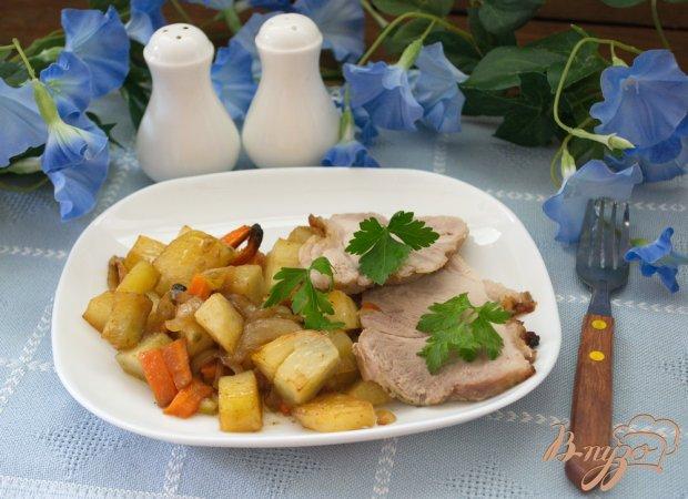 Запеченая свинина с картошкой