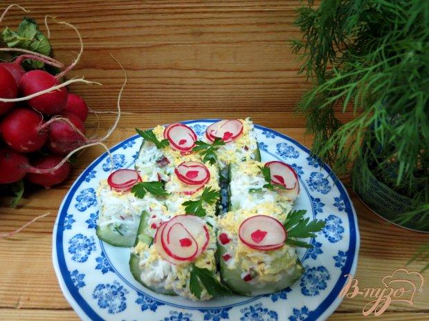 Салат в огурцах