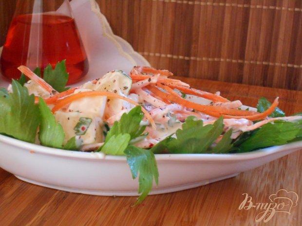 Салат из моркови, сыра и ананасов