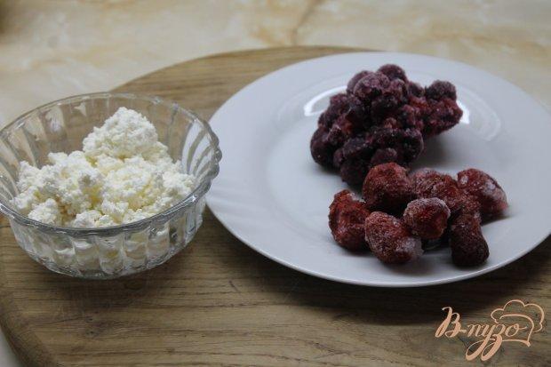 Шоколадные блины с творожно - фруктовой начинкой
