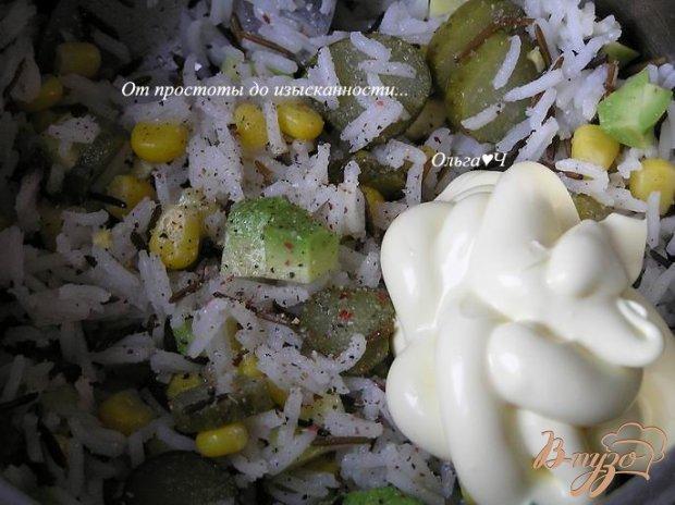 Салат с диким рисом и авокадо