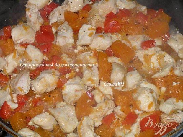 Куриное филе с перцем и тыквой