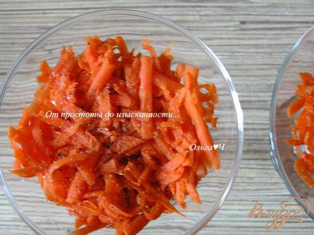 Яичный салат с морковью и миндалем