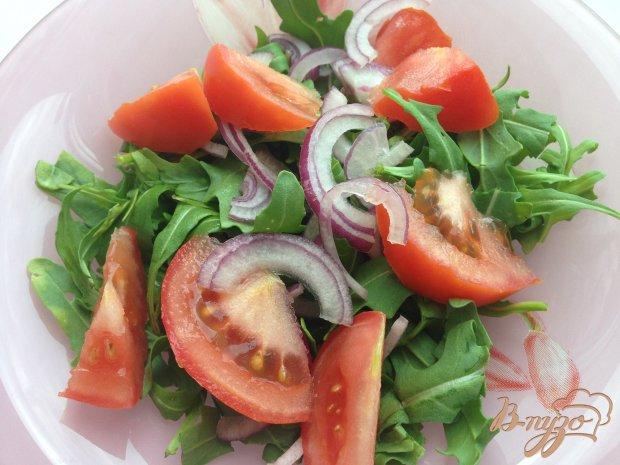 Салат с рукколой и сыром фета