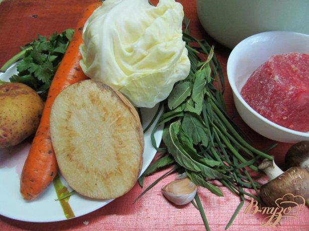 Легкий суп с капустой и грибами