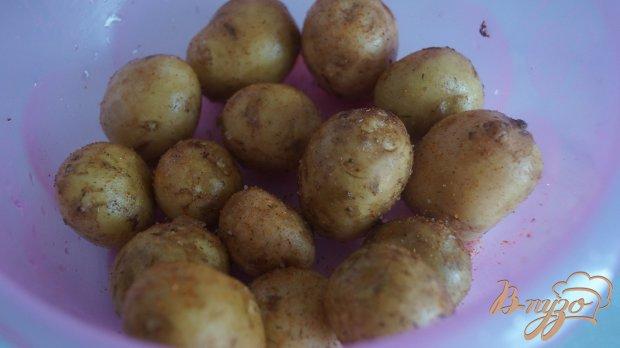Рецепт Молодой картофель со свиными ребрами запеченные в рукаве