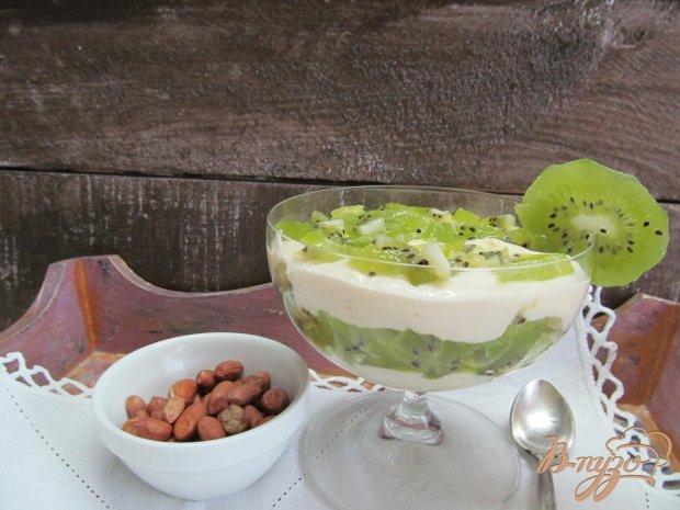 Десерт из киви с творогом