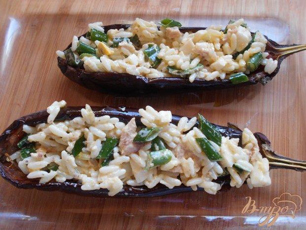 Баклажанные лодочки с рисом,яйцом и зеленым луком