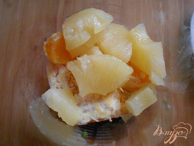 Смузи из шпината, апельсина и ананаса