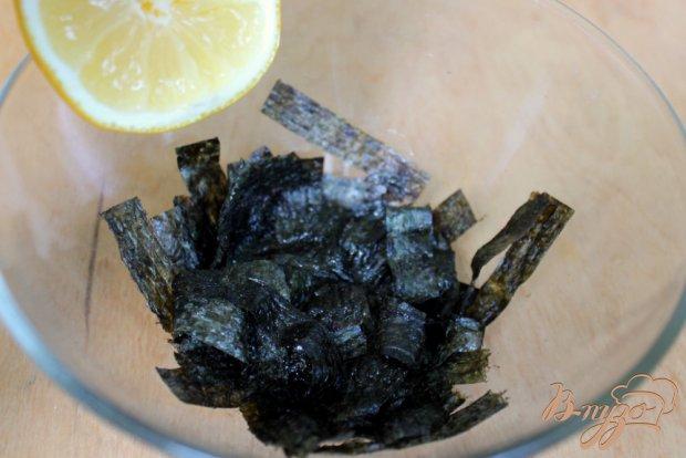 Рыбный салат с водорослями