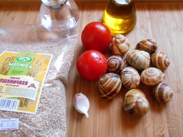 Улитки с пшеничной кашей по-гречески