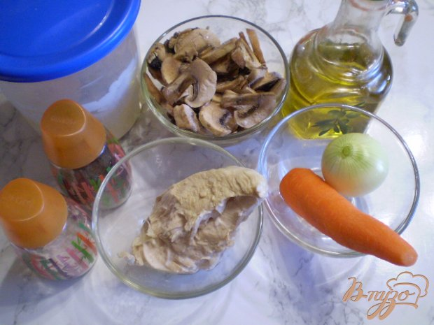 Рецепт Салат с курицей и шампиньонами