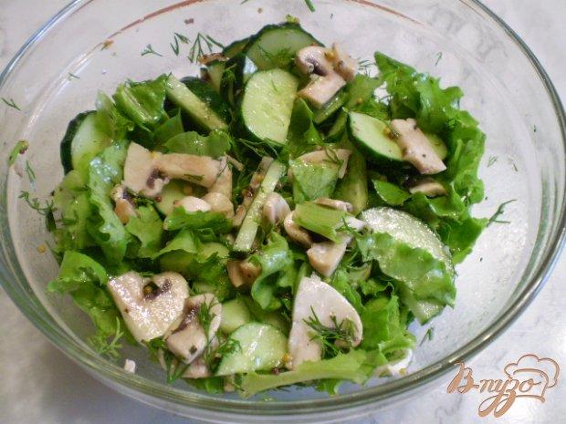 Салат из сырых огурцов и шампиньонов