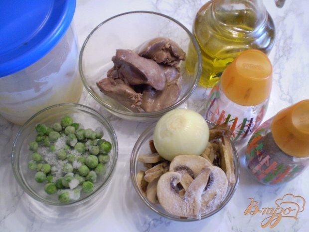 Рецепт Салат с печенью, горошком и грибами