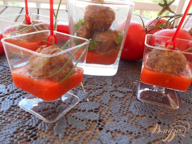 Закуска из пикантных мясных шариков в томатном соусе
