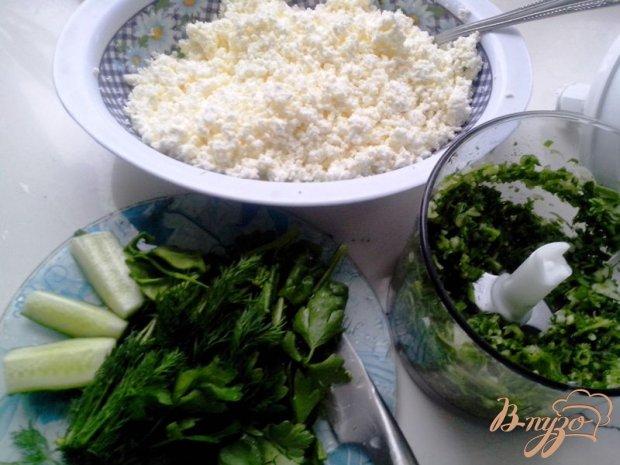 Рулет закусочный из лаваша с творогом, огурцом и шпинатом