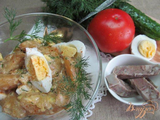 Молодой картофель с яйцом и паприкой