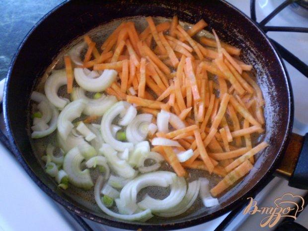 Рыбный суп с яйцо и зеленым луком