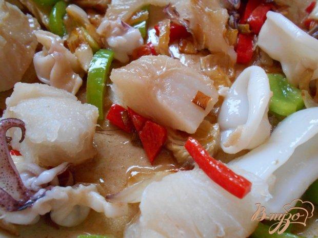 Спагетти с рыбой и кальмарами