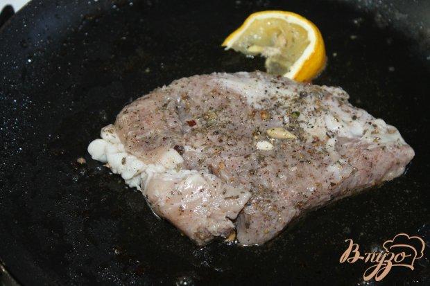 Свинина с вишневым соусом