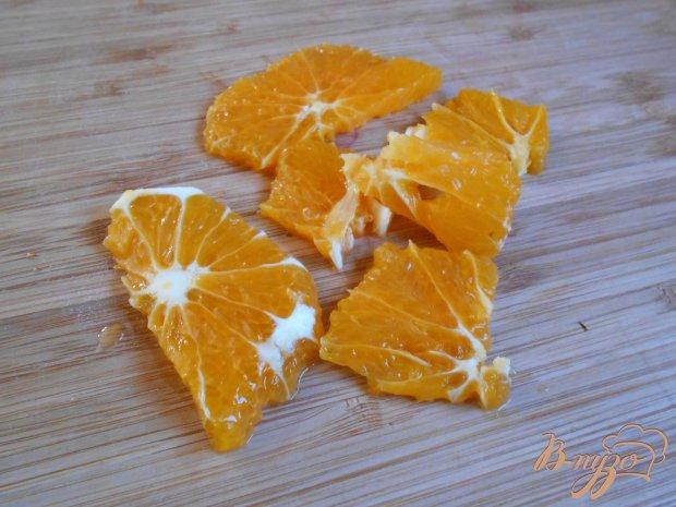 Салат из огурцов, грибов и апельсина