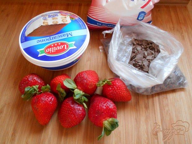 Рецепт Десерт из клубники с маскарпоне