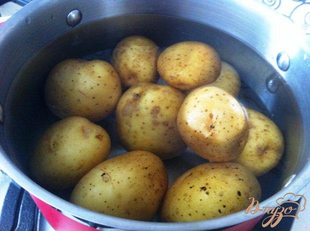 Молодой пряный картофель