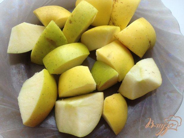 Индейка, запеченная с яблоками в рукаве