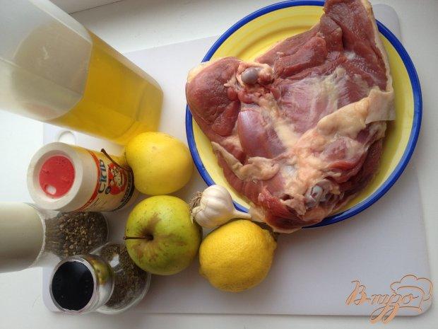 Рецепт Индейка, запеченная с яблоками в рукаве