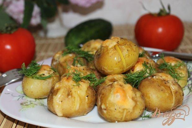Молодая картошка, запеченная с сыром