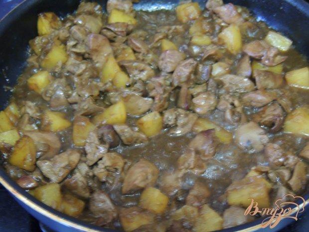Куриная печень с ананасами