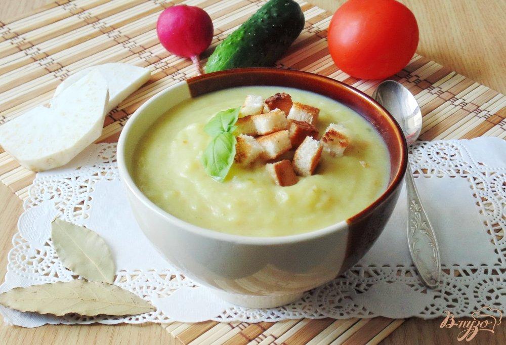 Фото приготовление рецепта: Суп-пюре из пекинской капусты с сельдереем шаг №7