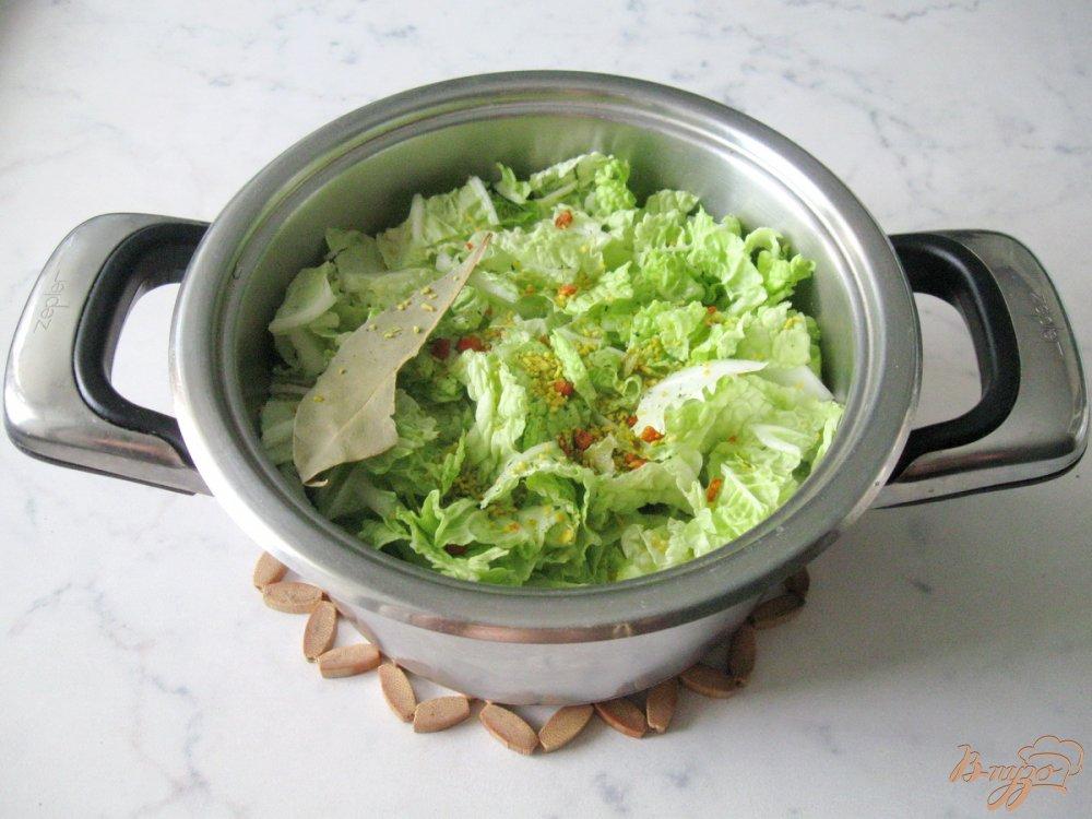Фото приготовление рецепта: Суп-пюре из пекинской капусты с сельдереем шаг №4