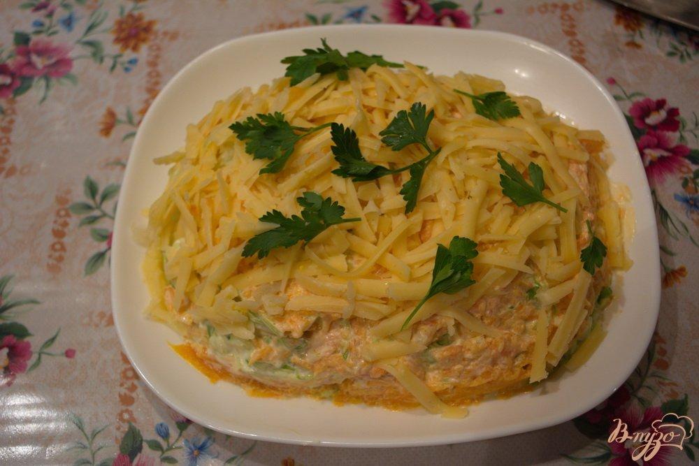 Фото приготовление рецепта: Салат с курицей и капустой слоеный шаг №5