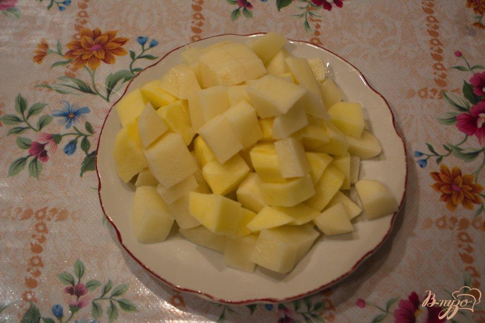 Фото приготовление рецепта: Куриный суп с яйцом шаг №5