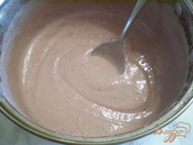 Фото приготовление рецепта: Крем-десерт из клубники шаг №8