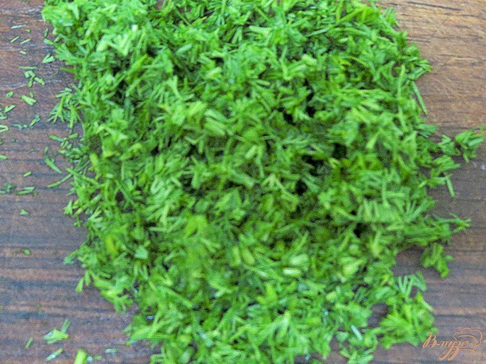 Фото приготовление рецепта: Ботвинья с капустой и тефтельками шаг №3
