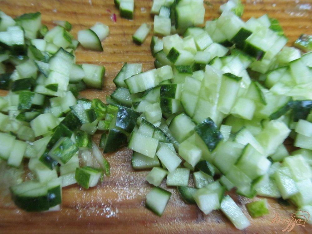 Фото приготовление рецепта: Окрошка на свекольном квасе шаг №3