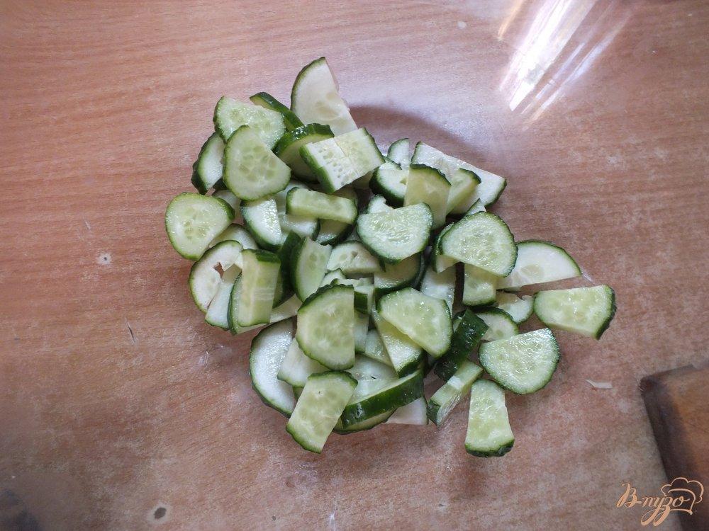 Фото приготовление рецепта: Салат яичный с семенами льна и овощами шаг №1
