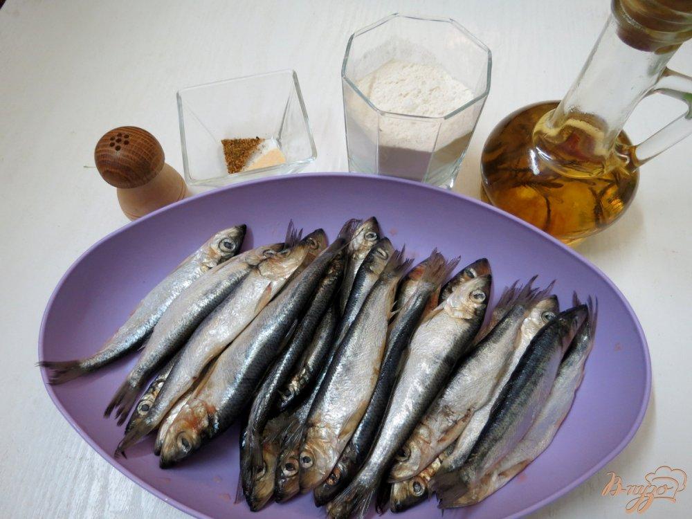Фото приготовление рецепта: Салака жареная шаг №1