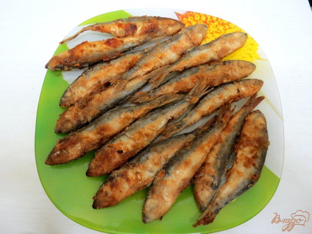 Фото приготовление рецепта: Салака жареная шаг №6