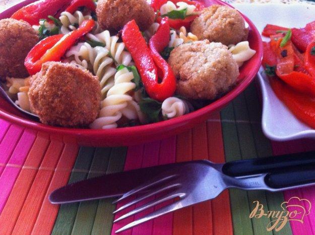 фото рецепта: Макароны с котлетками из цветной капусты