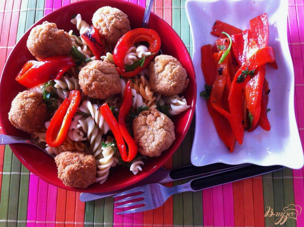 Фото приготовление рецепта: Макароны с котлетками из цветной капусты шаг №8
